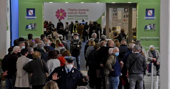 Ponad cztery miesiące po pierwszej dawce szczepionki ryzyko śmierci z powodu Covid-19 spada o 95 procent, a hospitalizacji na intensywnej terapii o 90 procent - to najnowsze ustalenia włoskiego Instytutu Służby Zdrowia. Kampania szczepień we Włoszech przyspieszyła.