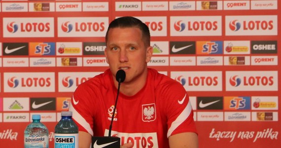 """""""Jestem uniwersalnym piłkarzem. Zagram tam, gdzie wystawi mnie trener"""" – stwierdził Piotr Zieliński na konferencji prasowej na cztery dni przed rozpoczęciem Euro 2020. """"Mogę dać dużo drużynie narodowej. Wiem, na ile mnie stać""""- zaznaczył pomocnik Napoli i podkreślił również: """"Jeżeli (…) zagramy jak drużyna, możemy osiągnąć fajny wynik""""."""