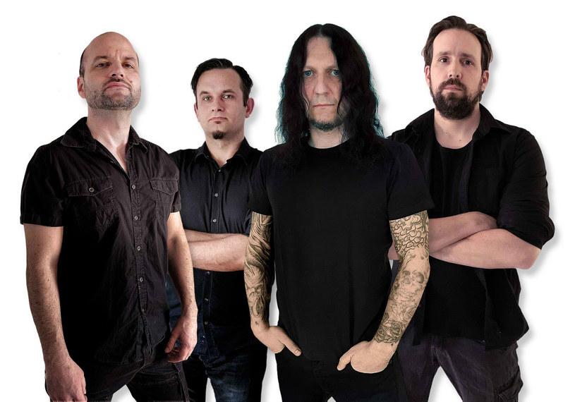 Pod koniec czerwca światło dzienne ujrzy nowa płyta melodyjnych death / folkmetalowców z niemieckiej grupy SuidAkrA.