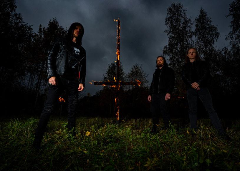 Nowo powstała, blackmetalowa grupy Kryptan ze Szwecji wyda w okresie wakacyjnym swój pierwszy materiał.