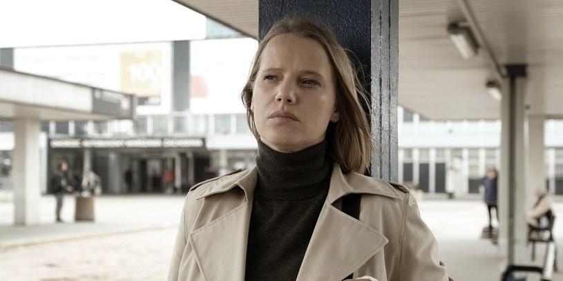 """Joanna Kulig zagra główną rolę w serialu """"Pajęczyna"""". Najnowsza produkcja Player.pl to thriller, którego akcja będzie rozgrywała się równolegle w 1978 roku oraz w 2010 roku."""