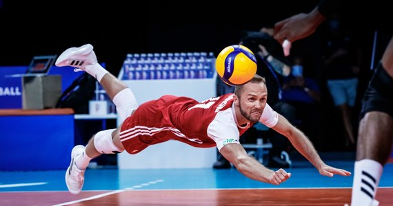 Polscy siatkarze pokonali we włoskim Rimini Bułgarię 3:0 (25:19, 25:15, 25:12) w meczu 7. kolejki Ligi Narodów. To szóste zwycięstwo w turnieju zespołu trenera Vitala Heynena, który prowadzi w tabeli. W czwartek biało-czerwoni zmierzą się z Holandią.