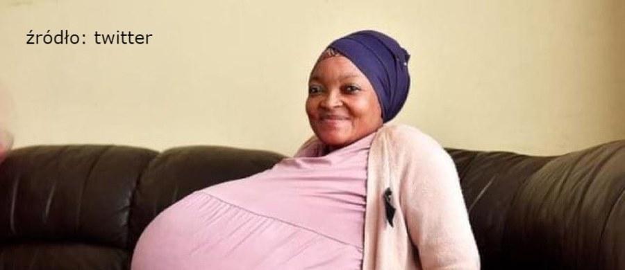 O ogromnym zaskoczeniu mogą mówić rodzice dzieci, które niedawno przyszły na świat w Pretorii (RPA). Podczas porodu okazało się bowiem, że to... dziesięcioraczki! Miesiąc wcześniej szczęśliwa 37-latka wzięła udział w ciążowej sesji zdjęciowej, z dumą prezentując swój gigantyczny brzuch.