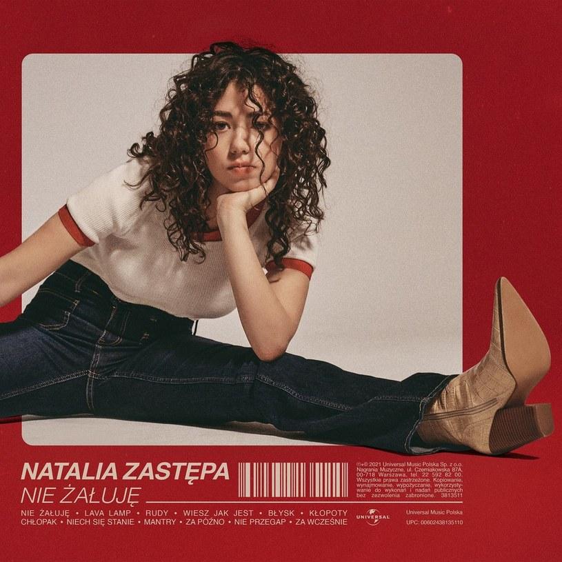 """Debiutancka płyta artystki znanej z udziału w """"The Voice Kids"""" i """"The Voice of Poland"""" ukazuje nam prawdziwe wokalne objawienie. Szkoda, że repertuar w jaki wsadzono Natalię, nie jest w stanie w pełni udźwignąć jej potencjału."""