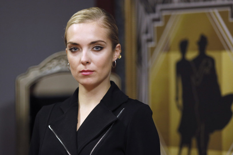 """Aktorka Magdalena Koleśnik, która występuje m.in. na deskach warszawskiego Teatru Powszechnego, poruszyła ostatnio kwestię ciałopozytywności. W swojej rozmowie z """"Wysokimi Obcasami"""" odniosła się także do afery przemocowej."""