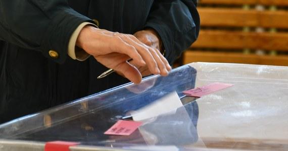 Referendum w sprawie odwołania dotychczasowej wójt gminy Kluki ze stanowiska oraz wybory uzupełniające do Rady Miejskiej w Działoszynie - to głosowania, jakie zaplanowano na najbliższą niedzielę (13 czerwca) w województwie łódzkim.