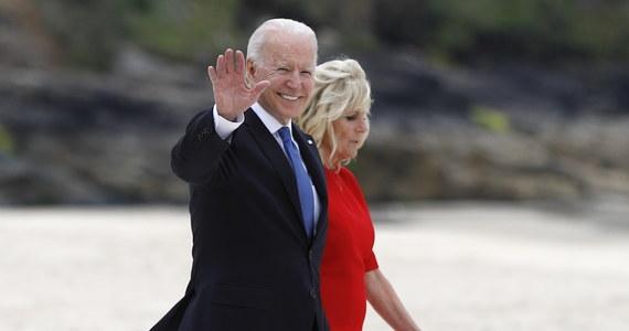 """Prezydent USA Joe Biden przyjmie 15 lipca w Białym Domu kanclerz Niemiec Angelę Merkel - poinformowała jego rzeczniczka na marginesie szczytu G7 w Kornwalii. """"Podkreśli głębokie więzi między Stanami Zjednoczonymi i Niemcami"""" – zaznaczyła."""