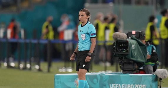 Stéphanie Frappart, francuska arbiter, jest pierwszą kobietą, która kiedykolwiek sędziowała podczas meczu mistrzostw Europy. W ten sposób napisała swój własny rozdział w historii męskiej piłki nożnej. Ponownie.