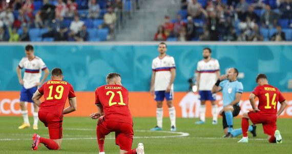 Oficjalna decyzja jeszcze nie zapadła, ale polscy piłkarze niemal na pewno nie przyklękną przed meczem ze Słowacją. Przeciwko włączeniu się biało-czerwonych piłkarzy do takiej symbolicznej akcji przemawia cały szereg argumentów.