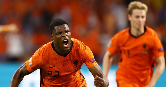 W drugim spotkaniu grupy C Holandia wygrała z Ukrainą 3:2. Wszyskie bramki padły w drugiej połowie spotkania. Obecnym liderem w grupie jest jednak Austria, z uwagi na bilans bramkowy.