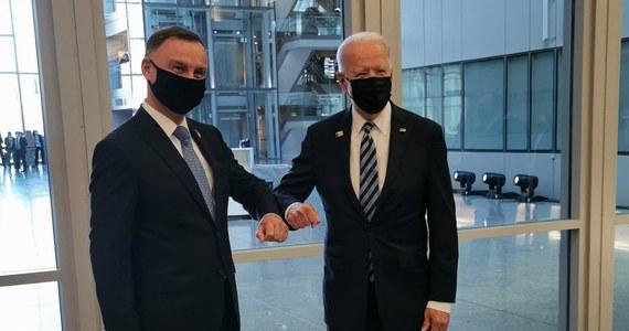 Na szczycie NATO w Brukseli prezydent Andrzej Duda odbył rozmowy z premierem Wielkiej Brytanii Borisem Johnsonem oraz prezydentem USA Joe Bidenem. Taką informację przekazał szef prezydenckiego biura polityki międzynarodowej Krzysztof Szczerski.