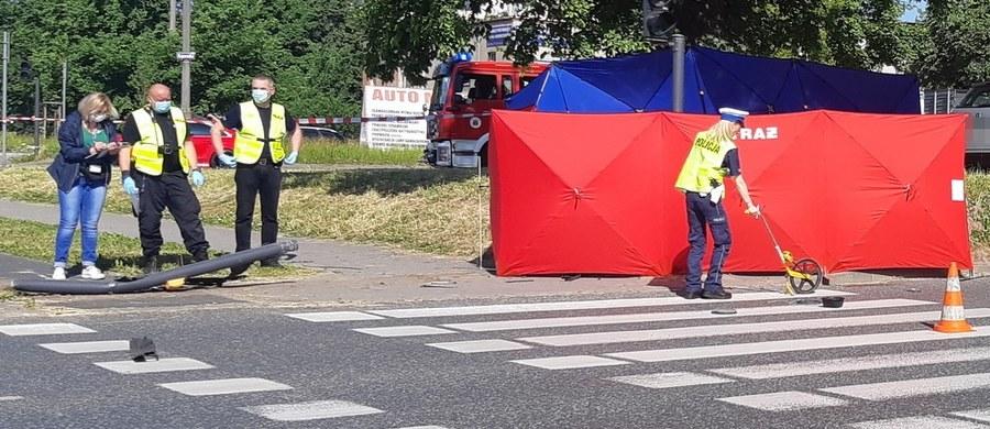 Policja i prokuratura zajmują się sprawą tragicznego wypadku na Rondzie Inowrocławskim w Bydgoszczy. Zginęła tam 12-latka potrącona przez samochód.