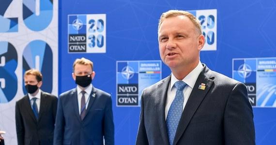 Jako bardzo dobry ocenił prezydent Andrzej Duda zakończony w poniedziałek szczyt NATO w Brukseli. Jak mówił, dyskusja dotyczyła m.in. bezpieczeństwa na wschodniej flance Sojuszu oraz zagrożeń, w tym tych ze strony Rosji, które Duda uznał za jedno z największych wyzwań obecnie.