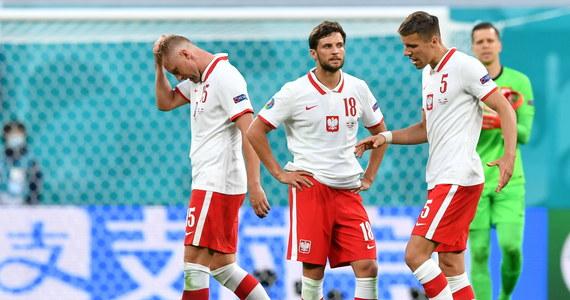 Szwedzkie media oceniły mecz Polska - Słowacja jako niespodziewany sukces najsłabszej na papierze drużyny grupy E. Skomentowano, że Polska przegrała na własne życzenie, wykazując zbyt mało energii i poświęcenia, a szczególnie  brak komunikacji.