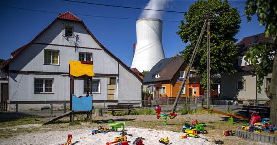 W przesłanej przez Czechów propozycji ugody w sprawie Turowa nie ma niemiłych niespodzianek - tak nieoficjalnie usłyszeli w rządzie dziennikarze RMF FM. Do Czech poleci w tym tygodniu polska delegacja złożona z kilku ministrów. Mają ostatecznie ustalić szczegóły umowy w sprawie kopalni w Turowie.