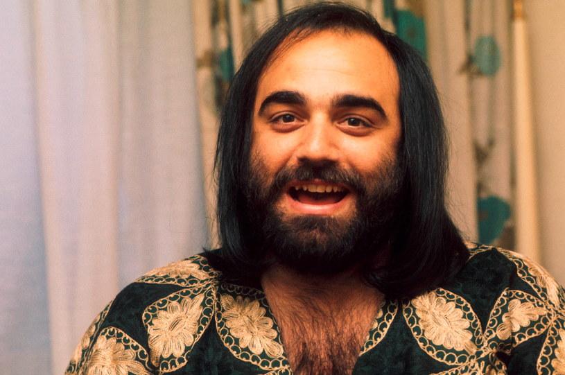 Demis Roussos był legendą greckiej sceny muzycznej. Podbijał serca nie tylko głosem, ale również urokiem osobistym. 15 czerwca przypada rocznica jego urodzin.