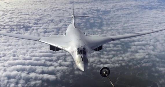 Dwa rosyjskie bombowce strategiczne Tu-160 odbyły planowy lot nad neutralnymi wodami Morza Bałtyckiego; towarzyszyły im kolejno myśliwce Włoch, Danii i Szwecji - poinformowało we wtorek rosyjskie Ministerstwo Obrony.