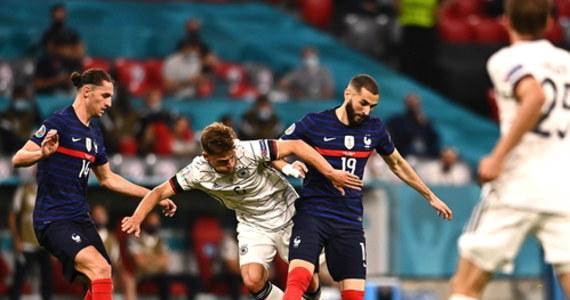 """""""Rozegraliśmy wielki mecz z bardzo dobrym rywalem"""" – mówił po zwycięstwie swoich piłkarzy nad Niemcami na Euro 2020 selekcjoner Francuzów Didier Deschamps. Jak stwierdził, ten szlagierowy pojedynek grupy F, zwanej """"grupą śmierci"""", """"mógłby być półfinałem lub finałem"""". Selekcjoner Niemców Joachim Loew podkreślał natomiast, że """"nie może winić swoich zawodników"""", choć zespół mógł """"zrobić trochę więcej w ataku"""". Zaznaczył także, że nie można winić Matsa Hummelsa, autora samobójczego gola. """"Pech"""" – podsumował krótko Loew."""