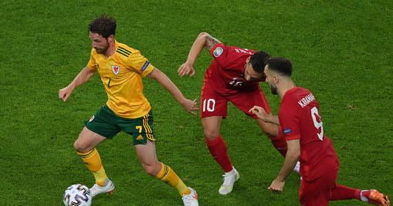 Gareth Bale zmarnował rzut karny, ale nawet to nie przeszkodziło Walijczykom w odniesieniu zwycięstwa nad Turkami (2:0). Drużyna Roberta Page'a jest niemal pewna awansu do kolejnej fazy turnieju. Turcy zawiedli przede wszystkim w defensywie i mają matematyczne szanse na wyjście z grupy.