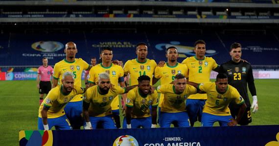 Brazylijczycy odnieśli drugie zwycięstwo w fazie grupowej Copa America. Obrońcy tytułu pokonali w Rio de Janeiro Peru 4:0. W drugim meczu grupy B Kolumbia zremisowała w Goianii z Wenezuelą 0:0.