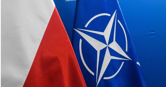 Polski rząd powiadomił sojuszników z NATO o rosyjskim cyberataku na nasz kraj - ustalili nieoficjalnie dziennikarze RMF FM. Od teraz fakt, że Polska została zaatakowana komputerowo z Rosji jest już wiadomością oficjalną. Wicepremier ds. bezpieczeństwa Jarosław Kaczyński wcześniej w oświadczeniu w sprawie cyberataków napisał wprost, że pochodził z Rosji.