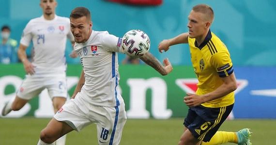 Szwecja pokonała Słowację 1:0 w rozgrywkach grupy E piłkarskich mistrzostw Europy. Zwycięską bramkę w 77. minucie zdobył Emil Forsberg po tym, jak sędzia podyktował rzut karny. Triumf zespołu ze Skandynawii mocno utrudnia Polsce drogę do awansu do fazy pucharowej turnieju.