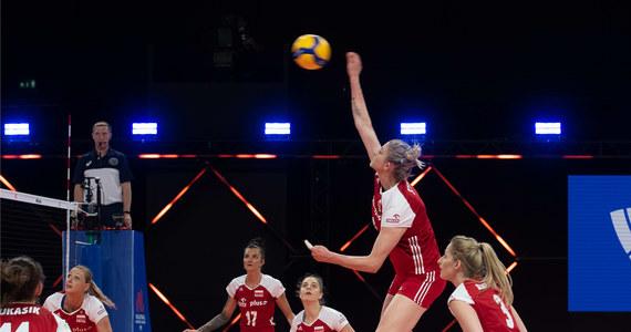 Polskie siatkarki przegrały z reprezentacją Stanów Zjednoczonych 0:3 (27:29, 27:29, 14:25) w meczu 13. kolejki Ligi Narodów. To dziewiąta porażka drużyny Jacka Nawrockiego w turnieju. W sobotę Polki zmierzą się z Chinkami.