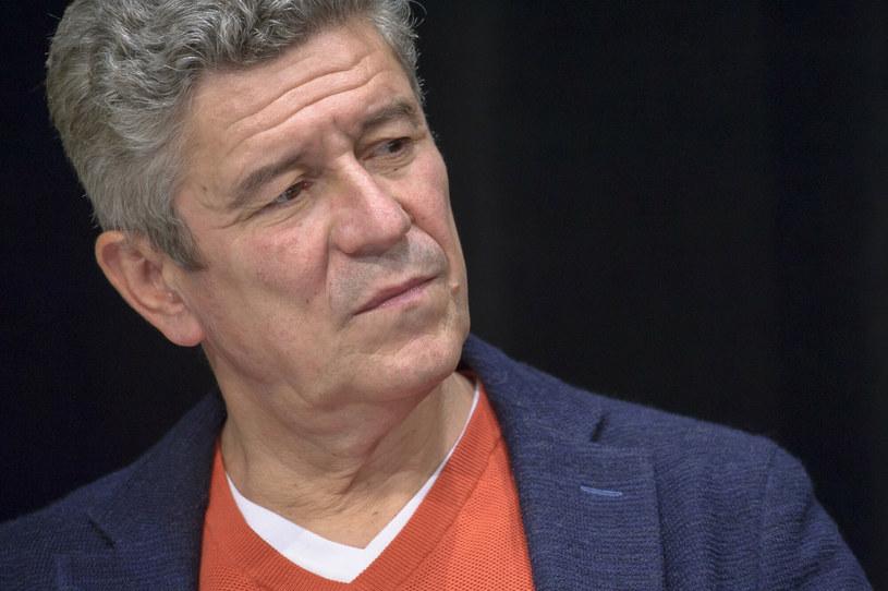 """Aktor Andrzej Zieliński ujawnił, że po niespodziewanej śmierci swego przyjaciela - Piotra Machalicy - sporządził testament. """"Oczywiście nikt, a na pewno nie ja, nie sądził, że to się tak tragicznie skończy"""" - skomentował w rozmowie z tygodnikiem """"Na żywo""""."""