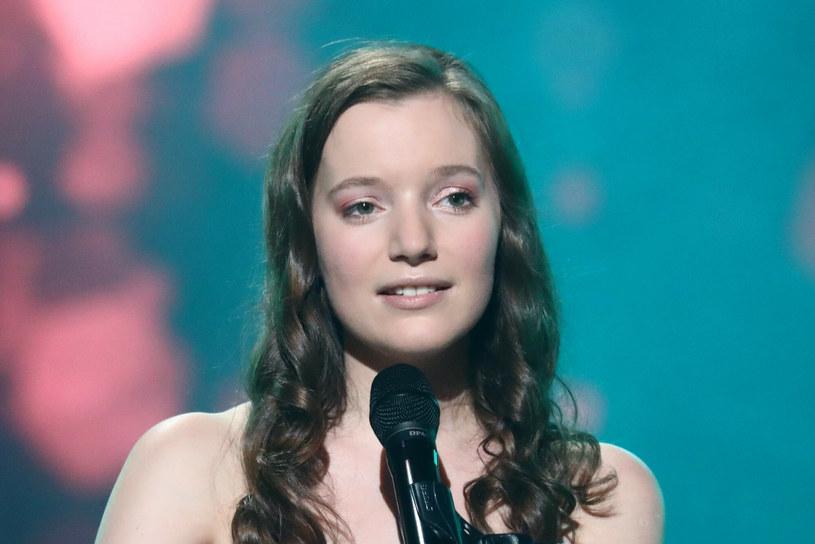 Jej piosenki notują wielomilionowe wyświetlenia, choć jeszcze niedawno mało kto o niej wiedział. Teraz sanah zaprezentuje się szerokiej publiczności podczas drugiego dnia Polsat SuperHit Festiwal w Sopocie.