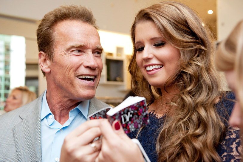 """Wszyscy powinni wiedzieć, jak bardzo nienawidziliście mojej kariery politycznej, przyznał Arnold Schwarzenegger, w rozmowie ze swoją córką Katherine, w trakcie jej programu na Instagramie """"BDA Baby"""". Aktor wyznał, że rodzina nie popierała zmiany jego profesji i nowej roli, gubernatora Kalifornii, którą pełnił w latach 2003 - 2011."""