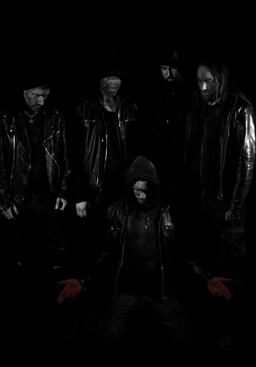 Szwedzka formacja Godhead Machinery opublikuje na początku lipca nowy materiał.