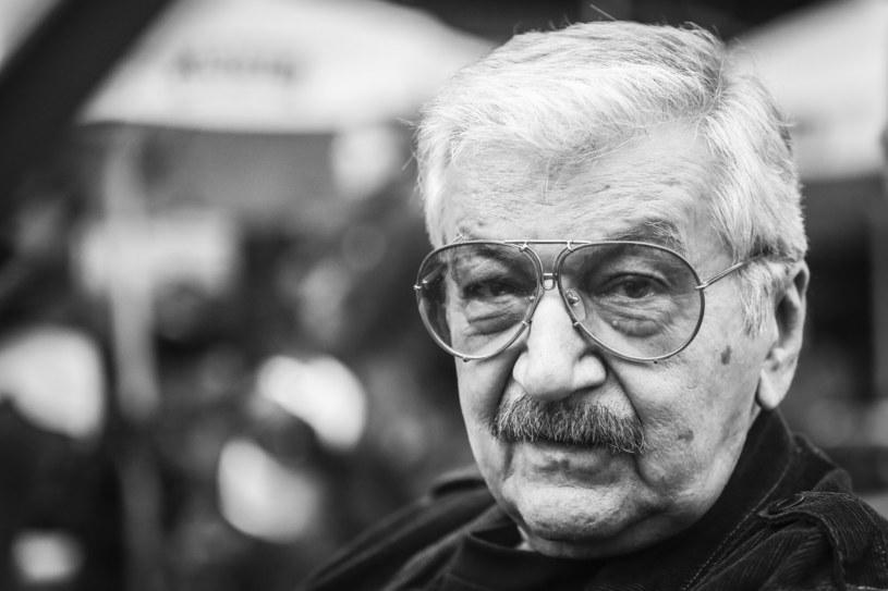 Ogromna strata i ogromny smutek. Nie żyje Wojciech Karolak, jeden z największych polskich muzyków jazzowych. Multiinstrumentalista. Kompozytor, muzyk jazzowy, pianista, saksofonista altowy i wirtuoz organów Hammonda. Zmarł w wieku 82 lat - napisano w mediach społecznościowych Stowarzyszenia Autorów ZAiKS.
