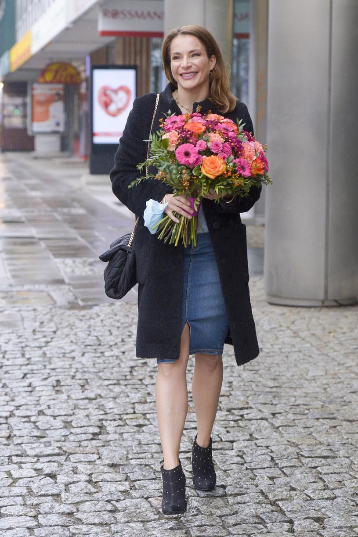 Plotki o tym, że Anna Dereszowska jest w ciąży, krążyły już od jakiegoś czasu. Teraz jednak udało się je potwierdzić - aktorka wkrótce po raz trzeci zostanie mamą.
