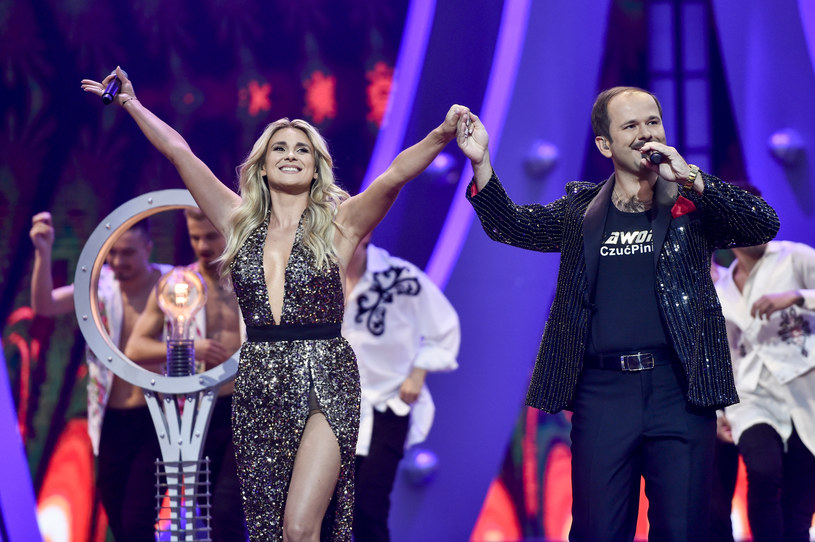 """Magdalena Kajra Kajrowicz towarzysząca swojemu mężowi Sławomirowi (wielki przebój """"Miłość w Zakopanem"""") na scenie została nową uczestniczką show Polsatu """"Dancing With the Stars. Taniec z gwiazdami""""."""