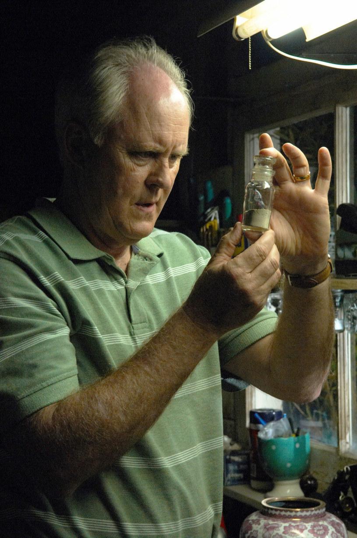 """Trwają prace nad nowym sezonem wracającego po latach serialu """"Dexter"""". Twórcy tej produkcji przygotowali dla fanów kilka niespodzianek. Jedną z nich będzie powrót znanego z czwartego sezonu """"Dextera"""" Arthura Mitchella, mordercy znanego pod pseudonimem """"Trójkowy Zabójca"""". W jego rolę ponownie wcieli się John Lithgow."""