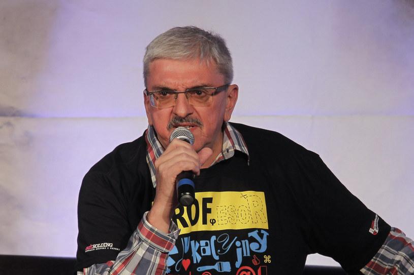 Marek Niedźwiecki w maju 2020 roku odszedł z Polskiego Radia. Sprawa pomiędzy dziennikarzem a byłymi pracodawcami miała trafić do sądu, ostatecznie jednak Niedźwiecki wycofał pozew.