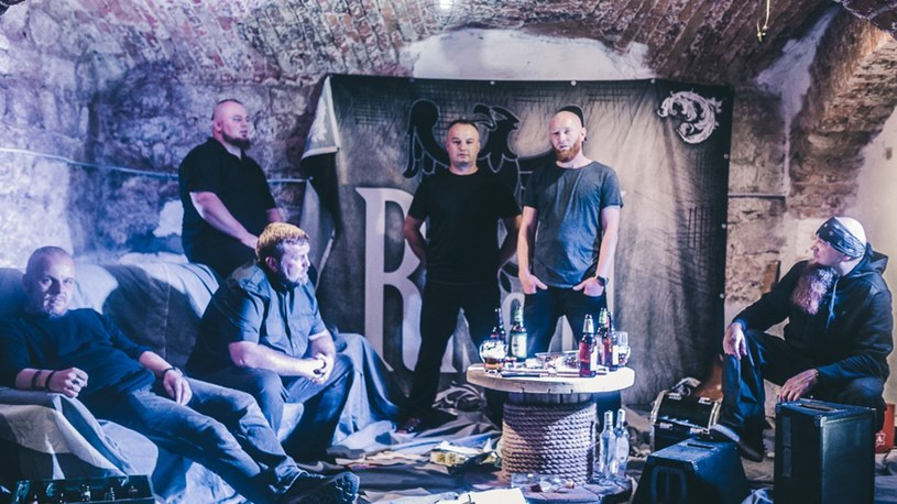 """""""Destructive Machine's Chilling Time 3:27"""" - to tytuł pierwszej płyty death / groovemetalowej formacji RiseuP z Pszowa."""