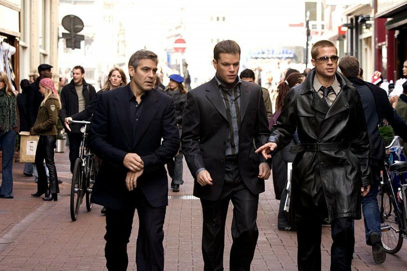 """Trzy części serii Stevena Soderbergha """"Ocean's"""", zatytułowanej tak od nazwiska głównego bohatera filmu, granego przez George'a Clooneya Danny'ego Oceana, zarobiły w kinach prawie miliard dwieście milionów dolarów. Po ich trzech """"męskich"""" odsłonach, przyszedł czas na """"żeński"""" spin-off, film """"Ocean's 8"""". Jaka będzie przyszłość tej popularnej serii? Niewykluczone, że niebawem widzowie doczekają produkcji """"Ocean's 14""""."""