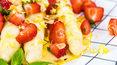 """""""Gotuję nie marnuję"""": Białe szparagi w cytrynowym sosie z truskawkami"""