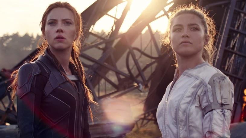 """Po ponad roku oczekiwania, widzowie w końcu dostaną możliwość zobaczenia w kinach marvelowskiej """"Czarnej Wdowy"""". Choć film jeszcze nie trafił do kin - jego premiera została zaplanowana na 9 lipca - już pojawiają się spekulacje odnośnie kontynuacji. Ta musiałaby jednak zostać nakręcona bez gwiazdy wcielającej się w tytułową rolę, czyli Scarlett Johansson. Czy to możliwe? Reżyserka """"Czarnej Wdowy"""", Cate Shortland, uważa, że tak."""