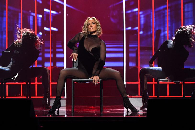 Do sieci trafił wspólny singel Jennifer Lopez i Rawu Alejandro. 9 lipca zobaczymy natomiast teledysk do utworu.