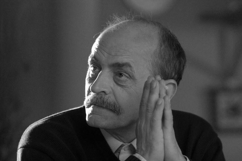 Zmarł Jan Janga-Tomaszewski. Był kompozytorem, wykonawcą piosenek oraz aktorem, przede wszystkim dubbingowym. Pochodzący z Krakowa artysta przez ostatnie lata walczył z chorobą nowotworową. Miał 69 lat.
