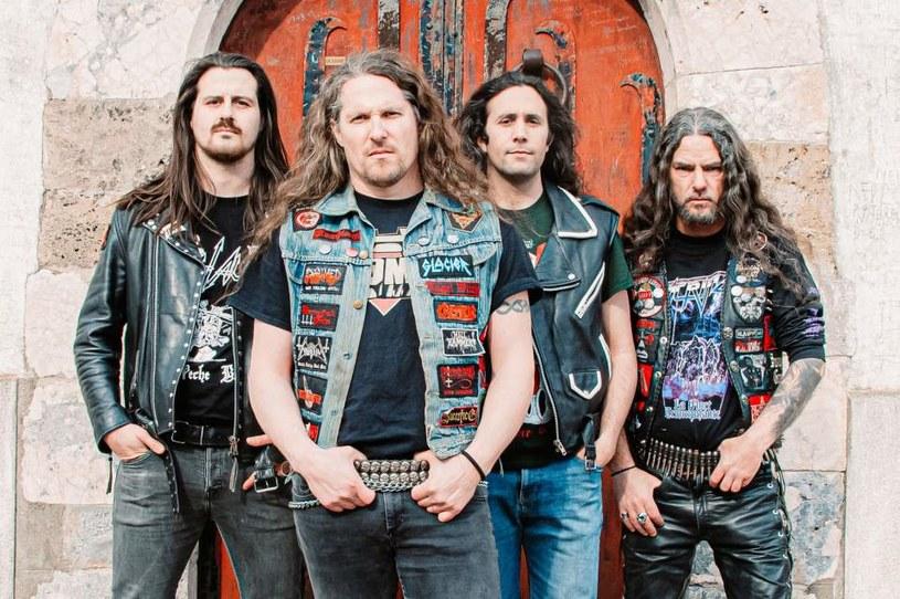 Heavymetalowy kwartet Tentation z Francji odlicza już dni do premiery pierwszego albumu.