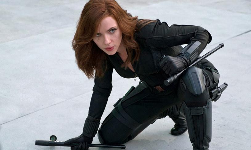 """W piątek, 9 lipca, w kinach zadebiutowała najnowsza produkcja Marvela - """"Czarna Wdowa"""" ze Scarlett Johansson w roli tytułowej. Film ten miał równocześnie premierę na serwisie streamingowym Disney+. Ile zarobiła produkcja w pierwszy weekend wyświetlania?"""