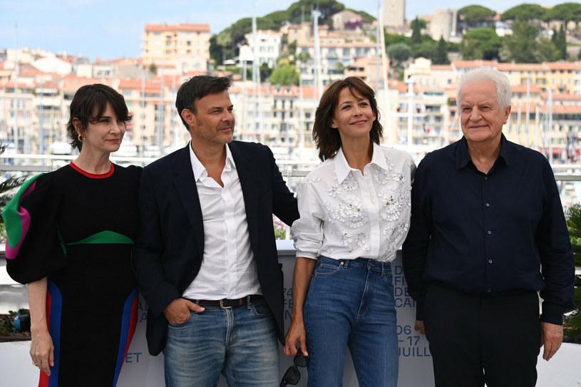 """""""'Everything Went Fine' nie jest ani za ani przeciw eutanazji. Tym, co najbardziej przyciągnęło mnie do tej historii, była relacja ojca i córki"""" - powiedział w czwartek Francois Ozon. Jego film z Andre Dussollierem i Sophie Marceau w rolach głównych uczestniczy w konkursie głównym 74. festiwalu w Cannes."""