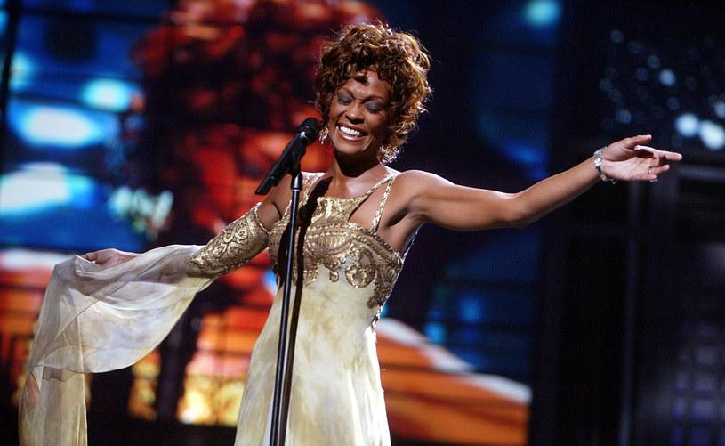 """""""I Will Always Love You"""" z 1992 roku to jeden z największych hitów w karierze Whitney Houston. Piosenka, którą spopularyzował film """"Bodyguard"""" z Kevinem Costnerem, była utworem, o którym Hugh Jackman myślał, że został zaśpiewany specjalnie dla niego. Przyznał to w opublikowanym na Instagramie nagraniu."""