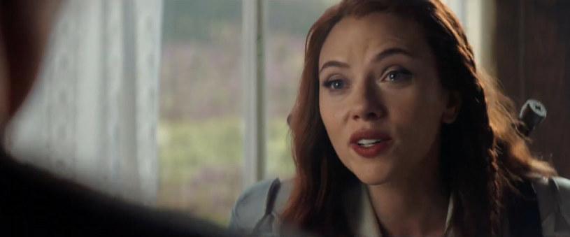 """""""Czarna Wdowa"""" w piątek trafiła na ekrany polskich kin. Zdaniem odtwórczyni tytułowej roli, Scarlett Johansson, która gościła ostatnio na antenie Polsat News, film ma bardzo mocne przesłanie i oddaje ducha naszych czasów."""