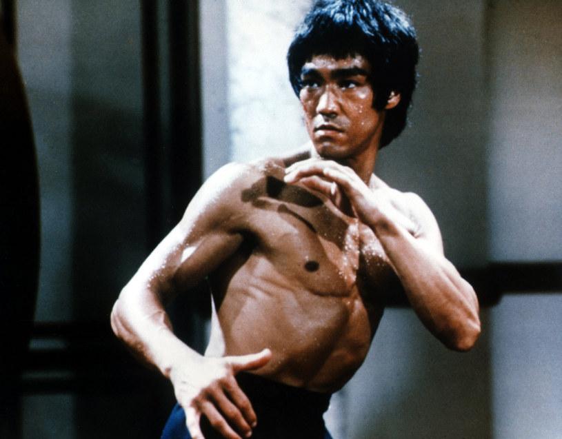Bruce Lee jest niekwestionowaną legendą kina. Niedawno wyszło na jaw, że aktor i mistrz sztuk walki miał problem z narkotykami.