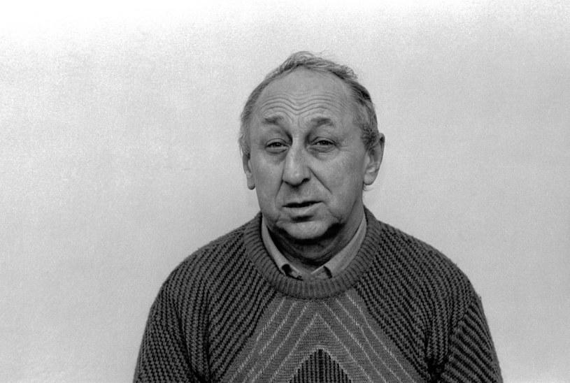 Nie żyje popularny aktor teatralny, kinowy i telewizyjny Tadeusz Wojtych - poinformował Teatr Syrena, z którym artysta związany był w latach 1977-91. W sierpniu obchodziłby 90. urodziny.