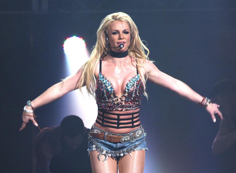 """""""To zabiło moje marzenia"""" - tak 39-letnia wokalistka podsumowała w sobotę na Instagramie swoją trwająca już 13 lat batalię o prawo do samodzielnego decydowania o swoim życiu. Ale na gorzkich słowach Britney Spears nie poprzestała. Postawiła też wyraźną granicę tym, którzy ją oceniają i krytykują. Trudno nie odnieść wrażenia, że gwiazda staje się coraz silniejsza."""